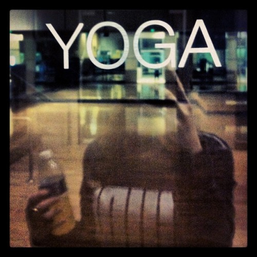 YOGA. Does the body good #health #love #yoga #workout #gym #relaxationMode #photooftheday #picoftheday #instagood #instalove  (at Equinox)