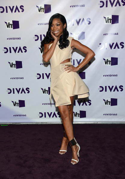 Brandy arrives at the 2012 Vh1 Divas: Diva Dance Party red carpet.