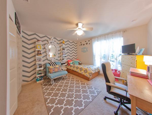 Decorating Ideas > Dorm Design ~ 114216_Dorm Room Ideas Single