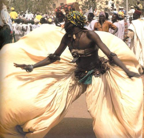 tontonmichel:  Hausa Dancer from Nigeria  looks like carnival in Trinidad