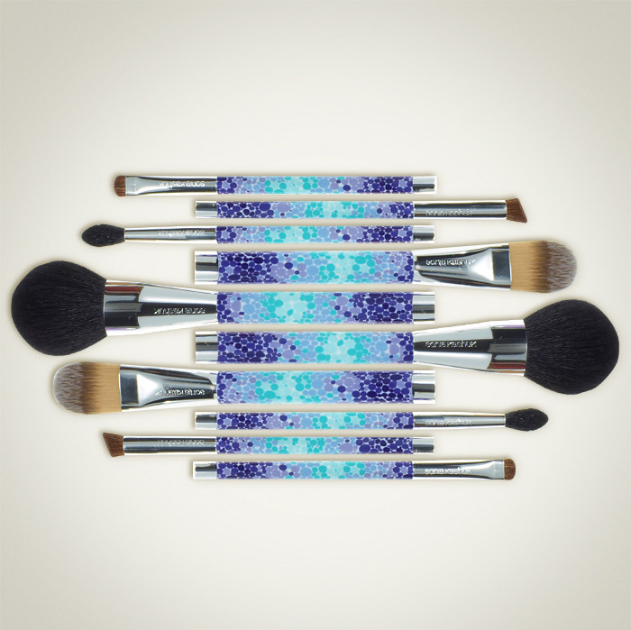 Your Brush With Greatness Who says you can't update your makeup brushes as often as you update your makeup looks? own it now: makeup brushes.
