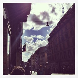 Enjoying this gorgeous day in #italy !  The sky is so clear and the clouds look like pillows 🌞 #pretty #fun #sunny #rome #travel #instagood