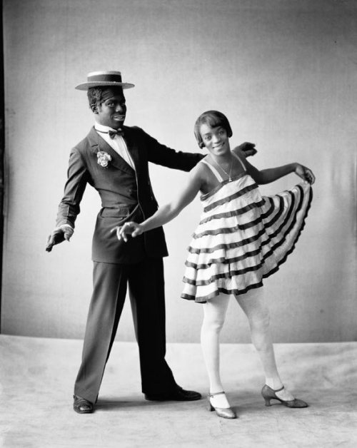 blackhistoryalbum:  Stump and Stello | 1930s  Promotional still of the African American vaudeville dance act Stump and Stello. Scurlock Studio Collection, National Museum of American History, Smithsonian Institution, Washington, DC. via Black History Album, The Way We WereFollow us on TUMBLR PINTEREST FACEBOOK TWITTER