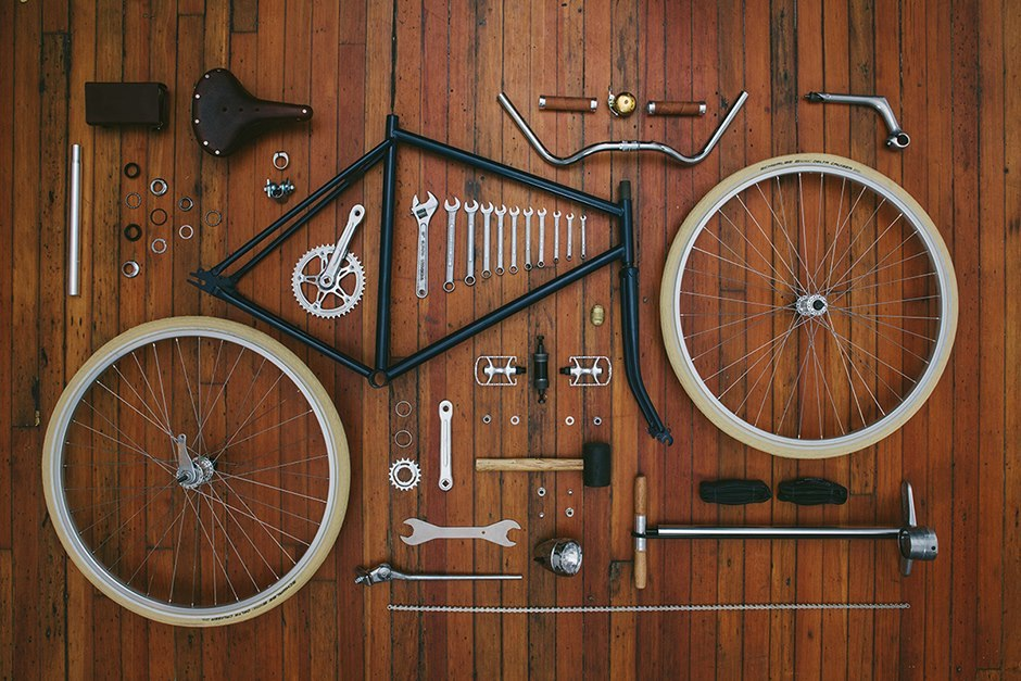 thingsorganizedneatly:  Heritage Bicycles ed: Thanks to Maureen Sill for sending this one my way.