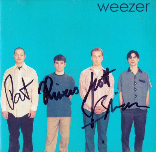 I was sorting through a box of old albums and found my signed Weezer Blue album.