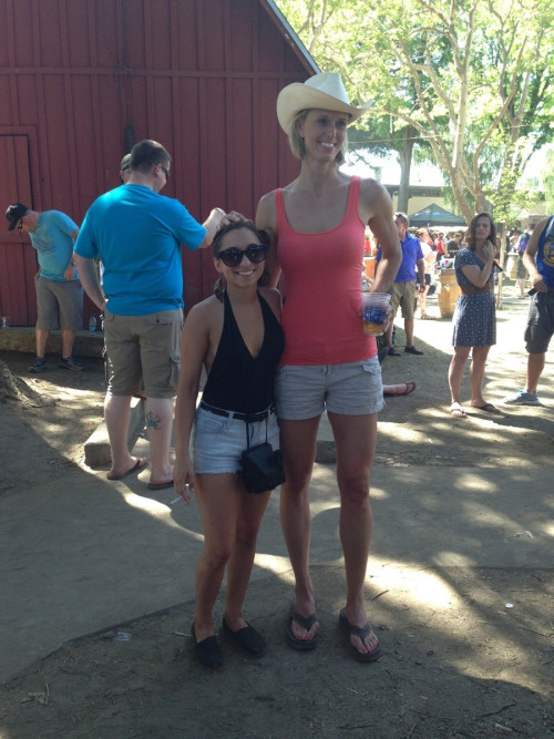 "This woman insisted taking a picture with me. I'm 4'8"". via imgur → more…"