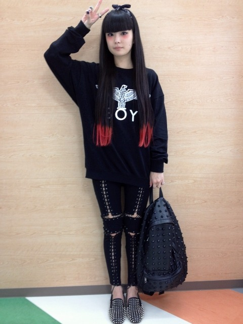 gyaru-coordinates:  Glad News: the pants and shoes and bag Boy London: Top