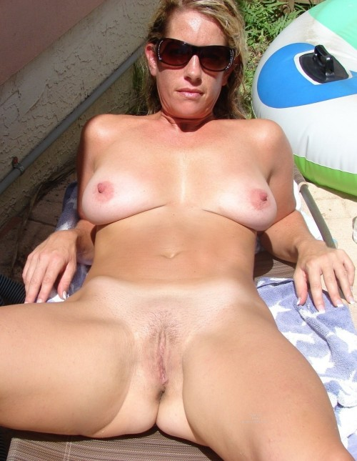 Mature milf nude outdoors