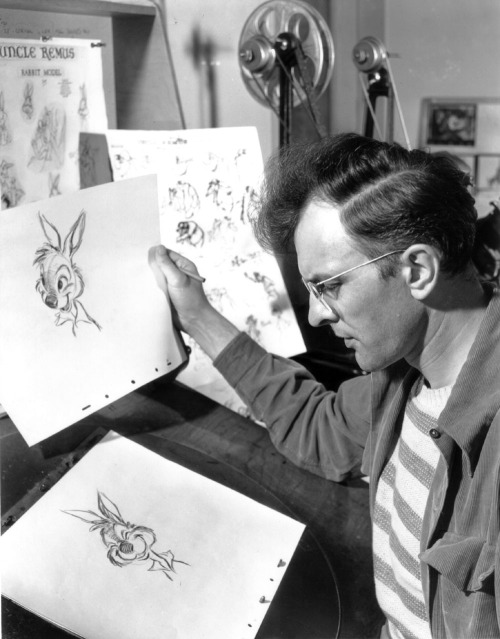 Milt Kahl is often considered the finest draughtsman of the Disney animators. For many years the final look for the characters in the Disney films were designed by Kahl, in his angular style inspired by Ronald Searle and Picasso.