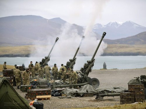 standywandyandard:  A battery of 29 Commando Regiment Royal Artillery fires 105mm Light Guns during Exercise Joint Warrior in Scotland.