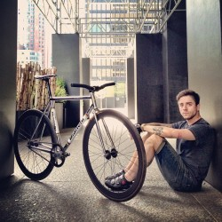 hermannaudrey:  Matt Castonguay with his #bianchi #pista. @newnoise1024 #fixie #fixedgear #torontofixed #lifecycles2013 #hermannaudrey