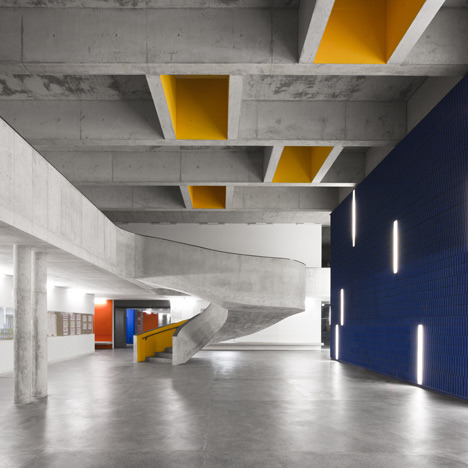 spatula:  (via Braamcamp Freire Secondary School by CVDB Arquitectos)