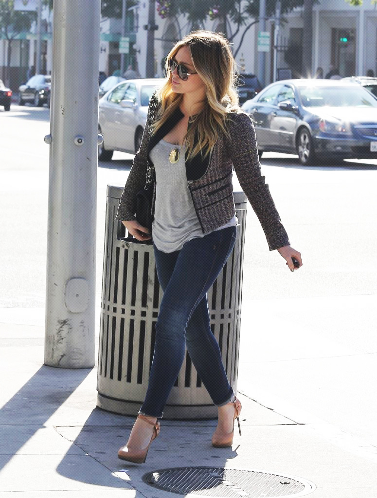 Actress and singer HIlary Duff stops by Intermix in Beverly Hills, California to do some shopping on December 10th, 2012.