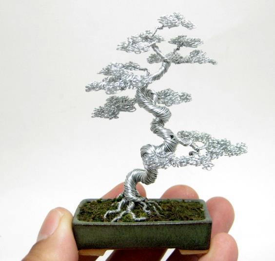 ianbrooks:  Wire Bonsai by Ken To Bonsai is a reflective art, but you could almost see yourself in the delicately wrapped copper wire that Ken uses to cnstruct his miniature bonsai sculptures, which are available to purchase at his rondei.  Artist: ebay / DeviantArt
