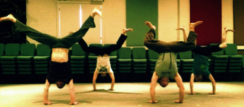 Handstand Wednesday in the studio! Have you done your daily handstand yet?