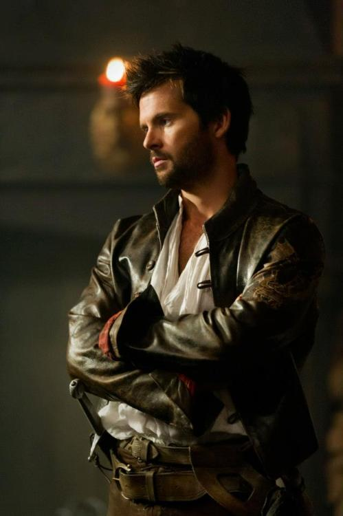 tomriley:  Gorgeous new still of Tom Riley as Leonardo da Vinci in Da Vinci's Demons. Shared by FOX TV UK.   OMFG! Can he get more beautiful?!