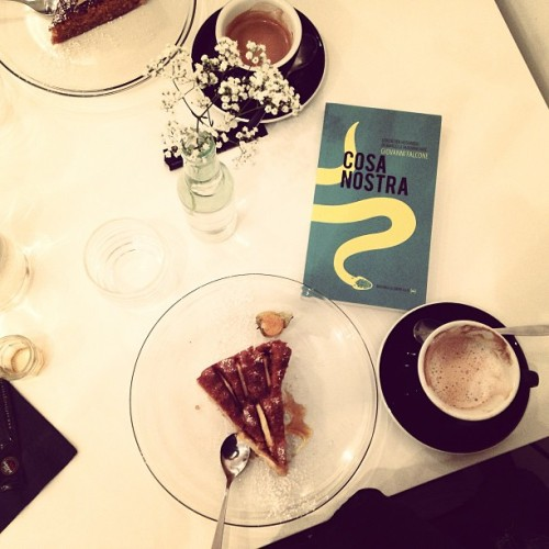 Coffee and cakes at Marcovaldo in the 3rd. #paris #coffeebreak