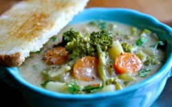 "prettybalanced:  Vegan ""Creamy"" Vegetable Soup"