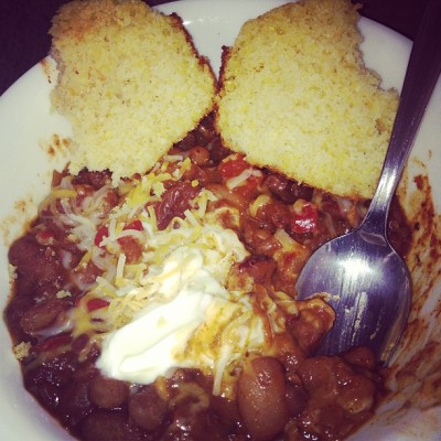 Homemade chili and cornbread 🍲🍞 #Foodie #CantStopWontStop  (at 633 Langdon)