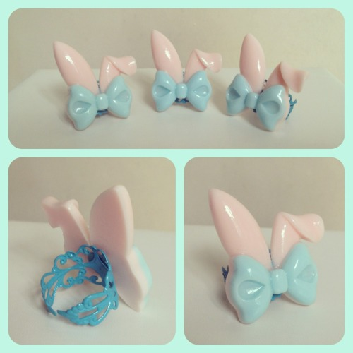 pixie-late:  Cute rabbit eared bow rings in mint x pink!