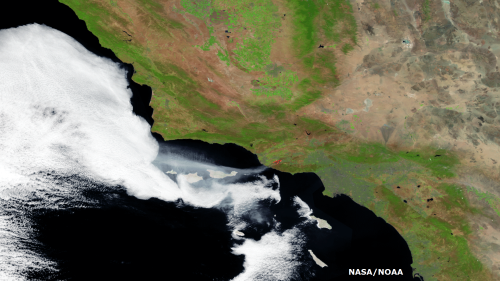 Massive 10,000-acre Southern California wildfire seen from space
