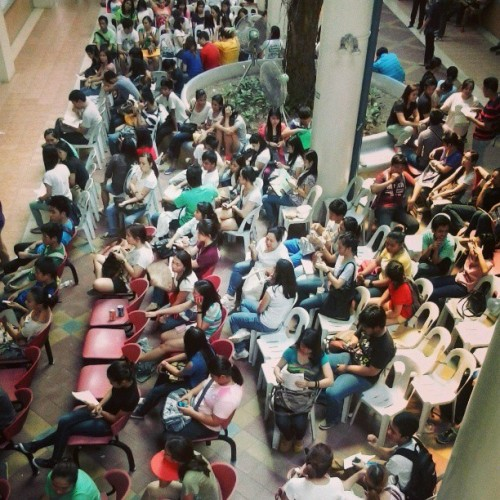 Day1 of summer classes registration: di pala exaggeration na University of Pila ang UPD. From 10am ako dumating sa OUR, natapos na ang office hours hindi pa ako nakakuha ng form5a. At iba pang pila ang enlistment ng subjects. Unbelievable. Imbey. Hahaha. Not ranting, hindi lang ako makaget over sa pila compared sa elbi. Hahaha.#upd #regperiod #summerclasses