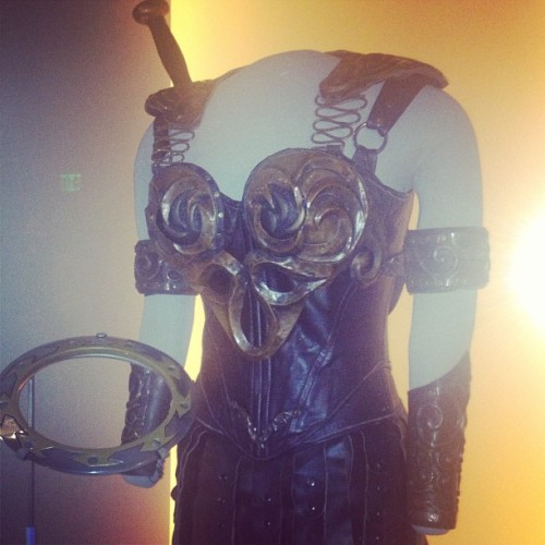 thelingerieaddict:  Xena's costume at the Sci-Fi Museum! I love me some Lucy Lawless. #seattle #scifi #geek  ohhhhh my god.