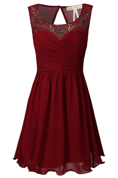 What would Sansa wear (around Christmas time)?A red embellished dress