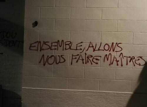 Les murs ont la parole. Tumblr_oemev4J3iy1vrof52o1_500