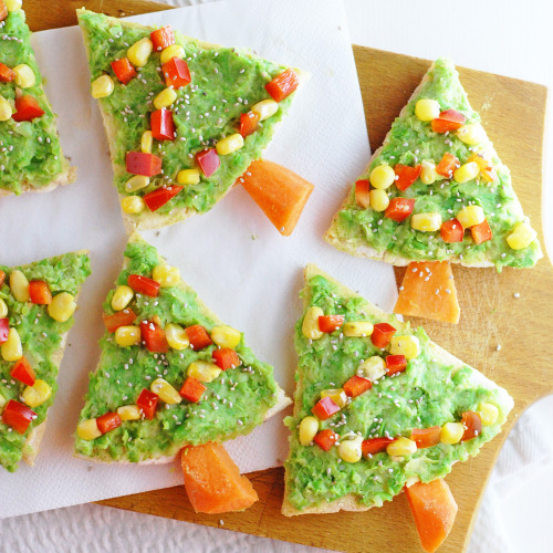 findvegan:  Christmas tree flatbreads… perfect festive appetiser!