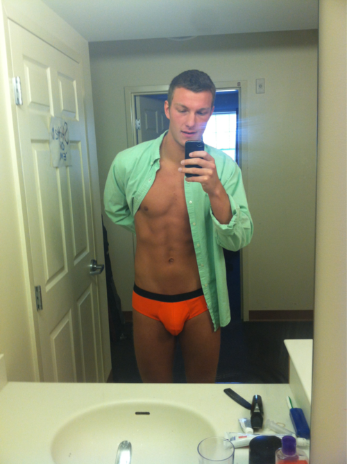mancrushoftheday:  fuckyeahhugepenis:  aplethoraofmen:  Orange  my favourite colour. yep.   The Man Crush Blog / Facebook / Twitter