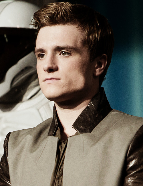 joshhutchersonnews:                   Catching Fire Still HQ (X)