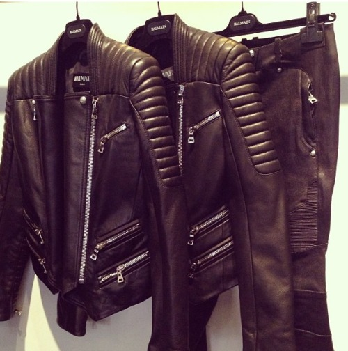 visualvixen:  Would kill to have that jacket.
