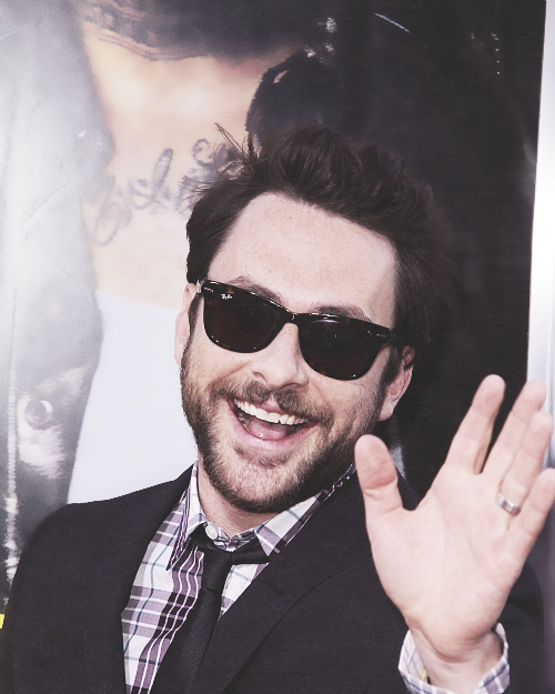 1/25 photos of → charlie day