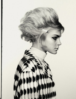 noenespanol:  Jessica Stam, Cora Emmanuel, Hanne Gaby Odiele, Amanda Murphy, Maria Bradley and Erin Macdonald are Dazed & Confused's 'Most Wanted', photographed by Cass Bird, styled by Karen Langley for the April issue.