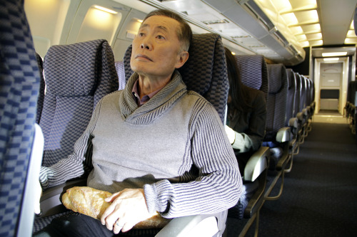 kim-jong-healthy:  I like to watch George Takei doing things