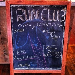 Will you help us start your Monday off right? Join us for a quick jog along the beach tomorrow at 6:30pm. Hope to see you there!  (at TOMS Flagship)