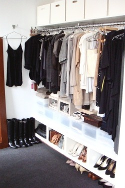 myidealhome:   another organized closet (via Pinterest)