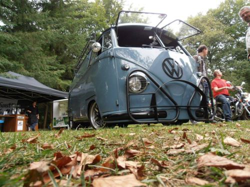 Awesome angle of Mr. Fijn's '57 DD Panelvan!