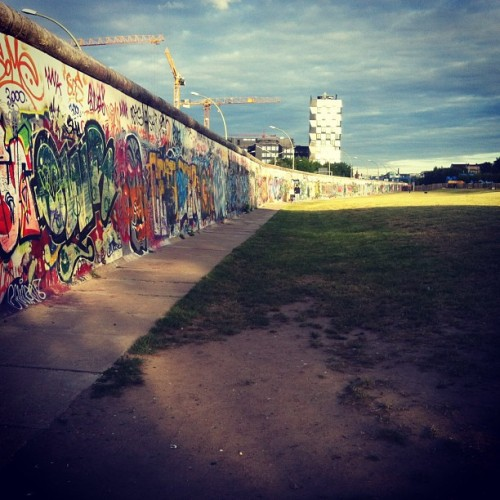 #berlin #berlinwall #art #graffiti  (at East Side Gallery)