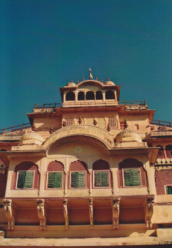 italdred:  Jaipur Palace (by Monica Forss)