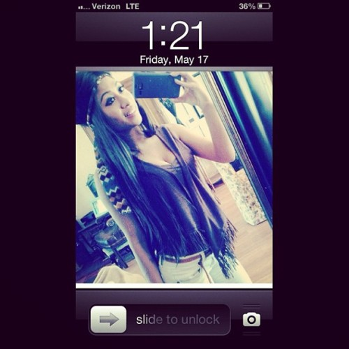 @kelsieandres won my lock screen. Your such a prett baby mama ! Miss you love !