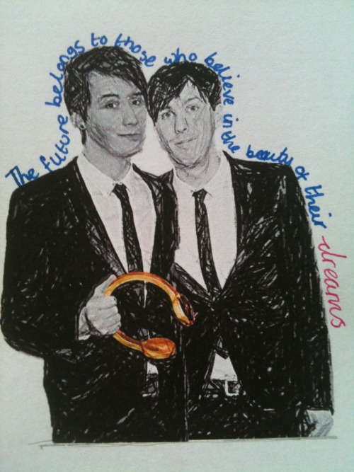 lunaticphan:  admittedly not one of my best. i should've stopped trying to shade phil's face, he looks like he's been clawed and i tried to do dan's little blush but because i was in grey it looks like a bruise…cry… but i wanted to do something to do with the golden headphones, because it is amazing how far they have both come :) so much love for dan and phil <3 -the future belongs to those who believe in the beauty of their dreams
