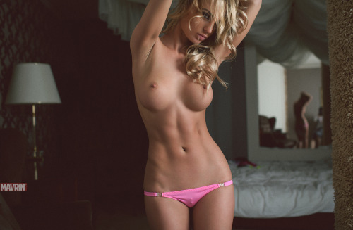 motz-hottest-eyecandy:  HOTTEST EYECANDY