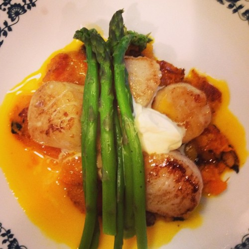 Scallops, butternut squash, asparagus, cream, raw egg yolk.