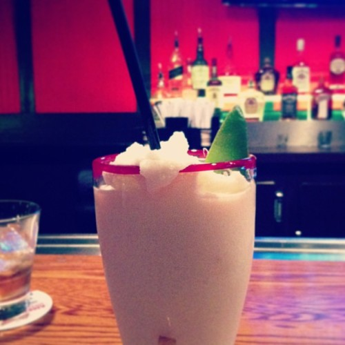 Enjoying drinks with the boyfriend :) #pinacolada #drinks #bar (at TGI Friday's)