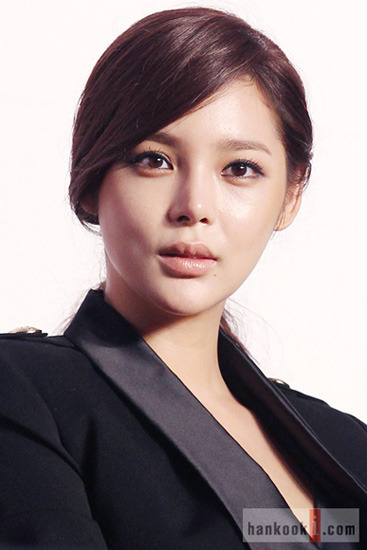 Korean Actresses Investigated in Prescription Drug Scandal  Four Korean female celebrities, including popular actress Park Si-yeon, are being investigated by prosecutors in Seoul for illegally taking the same powerful painkiller that contributed to the death of Michael Jackson, according to news reports.
