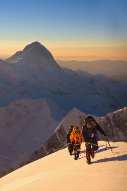 mountain climbing 8000 Everest summit climber Mountaineering