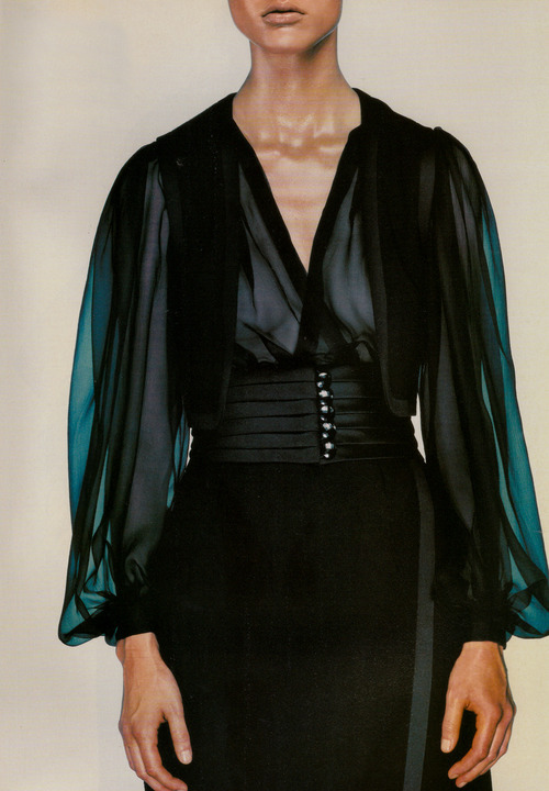 willyegang:          X-Couture: Malgosia Bela in Yves Saint Laurent Fall 1999 haute couture; photographed by Steven Klein for Vogue Italia, September 1999.
