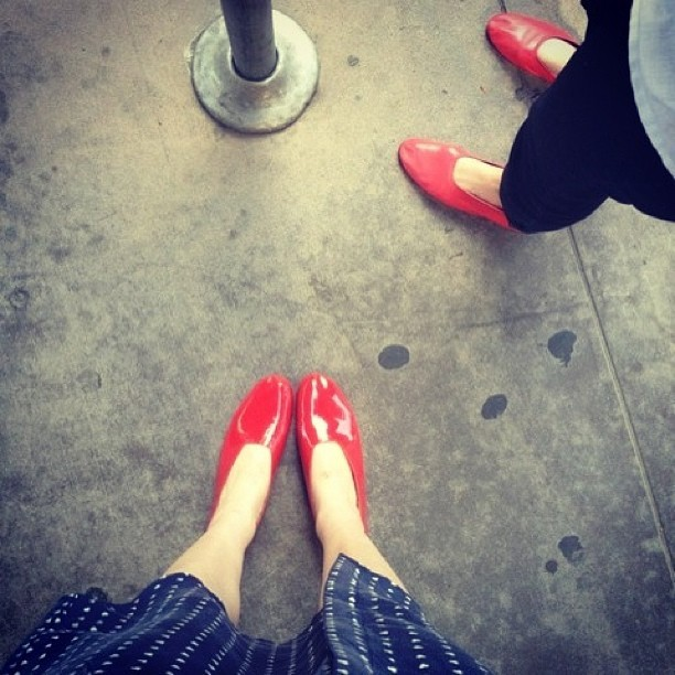 martinianolopezcrozet:  Photo courtesy of Galina Dubinsky owner of red patent leather glove shoes